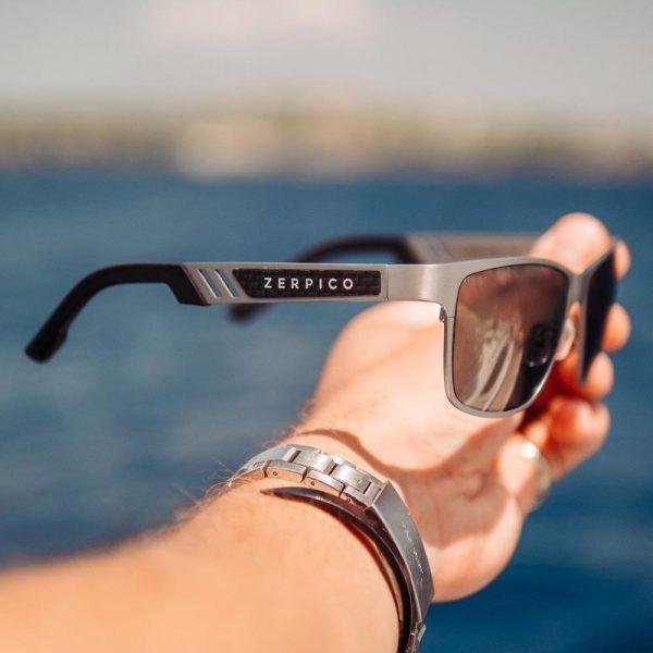 Solbriller av titanium